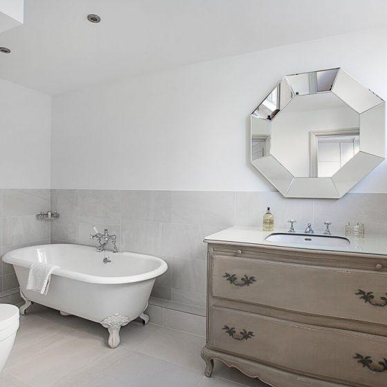 Hyde Park Gate Bathroom